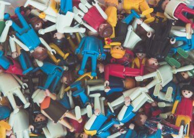 juguetes americanos apilados